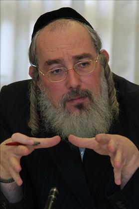 Former MK, Israel Eichler of United Torah Judaism. 03.11.2003. Photo: Flash 90