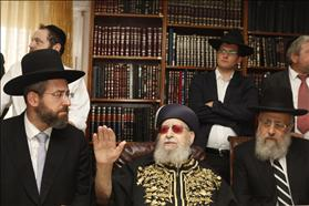 The new Chief Rabbis Rabbi Yitzhak Yosef on the right, and Rabbi David Lau receiving a blessing from Shas leader Rabbi Ovadia Yosef after being elected. 25-07-2013. Photo: Flash90